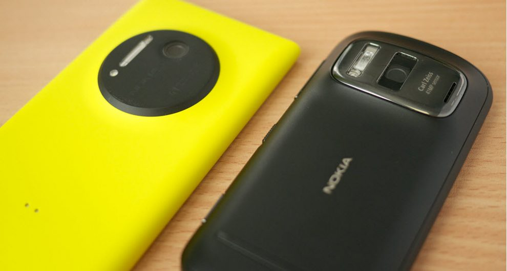 Lumia 1020 and Nokia0 808 ZEISS